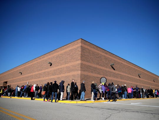The line for Younkers before their 11 a.m. Thanksgiving