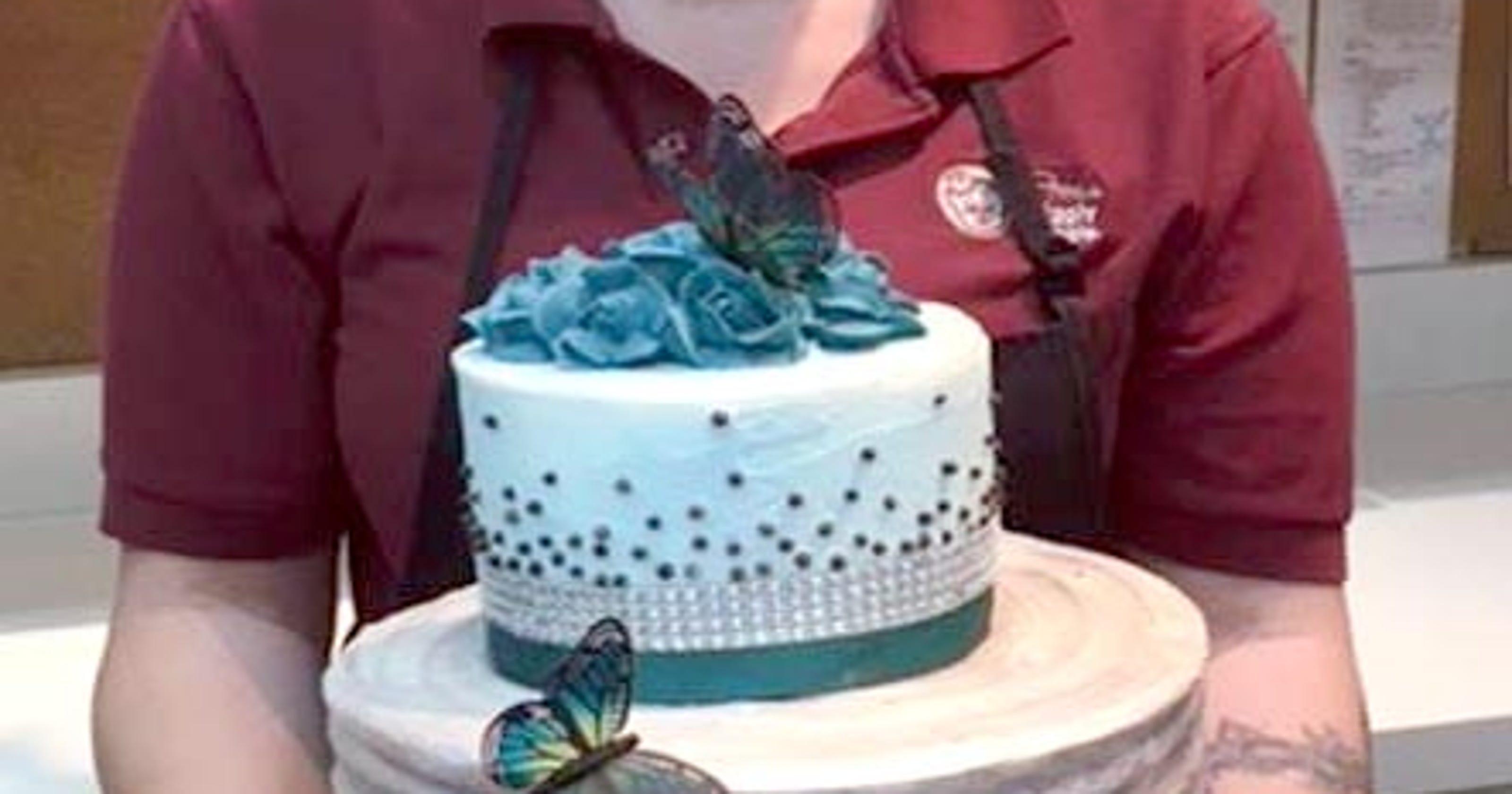 Piggly Wiggly Cake Decorator