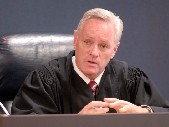 Chief Circuit Judge Daniel Kelly speaks to potential jurors at 31st Circuit Court in Port Huron for Donald Burke's 2008 trial.