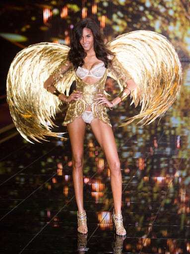 An Angel struts her stuff on the Victoria's Secret