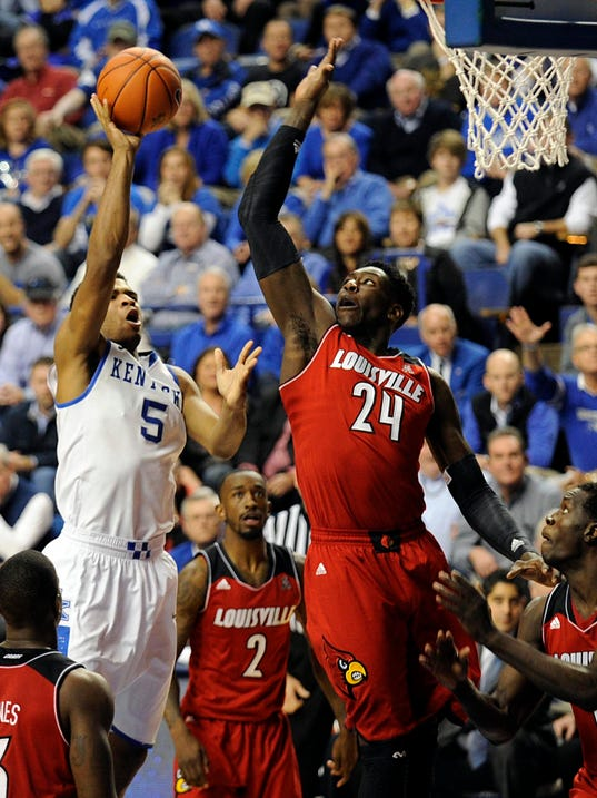 USP NCAA Basketball_ Louisville at Kentucky