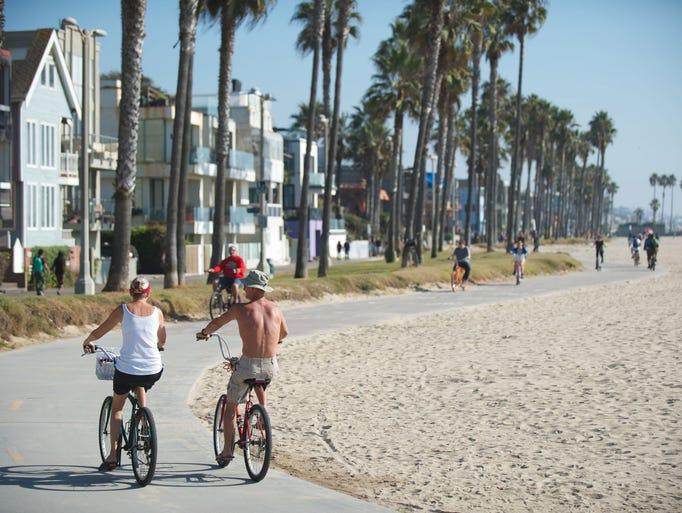 La croisiere pourquoi, comment!... - Page 5 636269946539293203-1386260381000-Bikers-on-Venice-Bike-Path