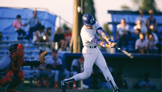 Mike Piazza gives Salem Dodgers' lineup a boost of power during the 1989 season.