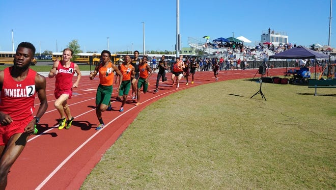 Dunbar's Ralph Claude (No. 3) and Damien Simmonds (No. 8) finished fourth and fifth, respectively, in the 800-meter run at the Region 2A-3 meet in Wesley Chapel on Wednesday. Those places earned Dunbar 9 points in the team standings.