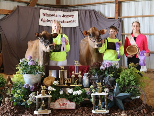 Reserve Senior and Grand Champion of the Junior show