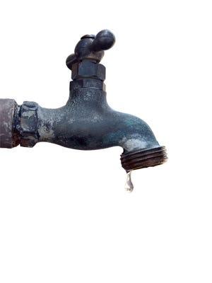 Text: faucet