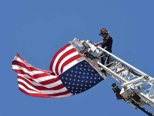 636038521128737940-BLM-firefighters-3.jpg