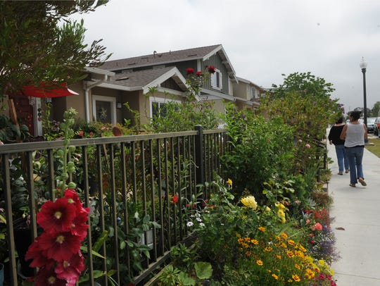 The Azahar Place Apartments are located in East Ventura.