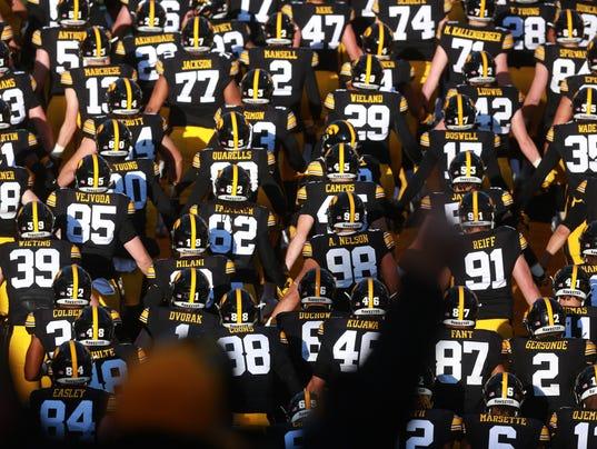 636492857990436650-171118-01-Iowa-vs-Purdue-football-ds.jpg