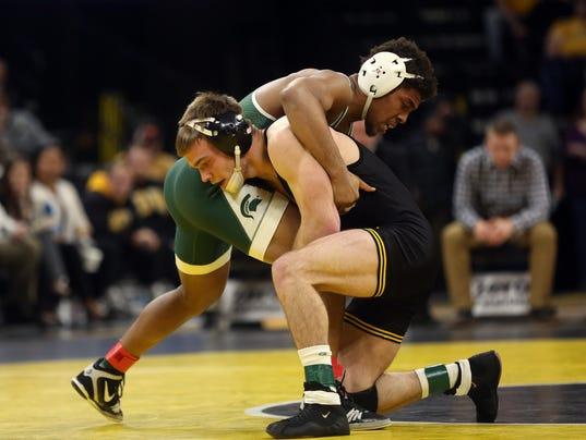636507822067063478-180105-09-Iowa-vs-Michigan-State-wrestling-ds.jpg