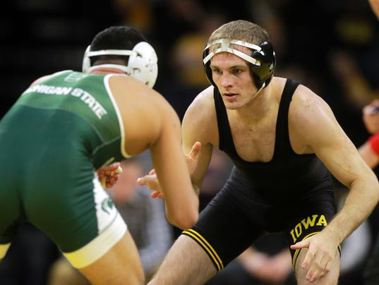 636507822464866028-180105-11-Iowa-vs-Michigan-State-wrestling-ds.jpg