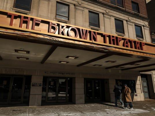 636517092211587889-browntheater-03.jpg