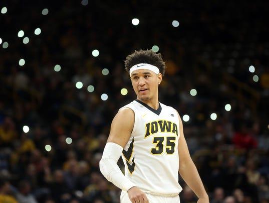 636551929563853174-180225-19-Iowa-vs-NWestern-mens-basketball-ds.jpg