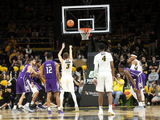 636551929638577653-180225-04-Iowa-vs-NWestern-mens-basketball-ds.jpg