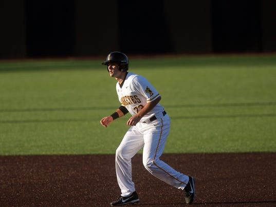 636553534372074667-180227-15-Iowa-vs-Cornell-College-baseball-ds.jpg
