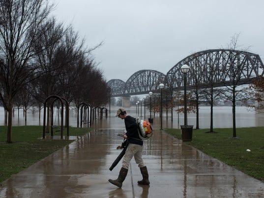 636554349976555726-20180228-waterfront-flood-strupp-02.jpg