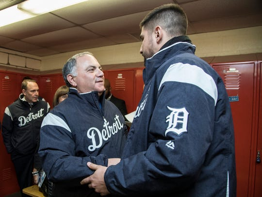 Detroit Tigers general manager Al Avila shakes hands
