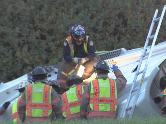 635484945831939703-I-196-semi-driver-rescue