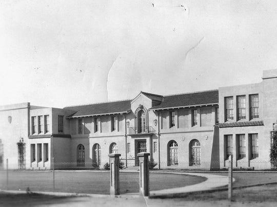 Gilbert High School (1920)