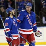 Rangers score at least five for fifth game in a row to beat Jets