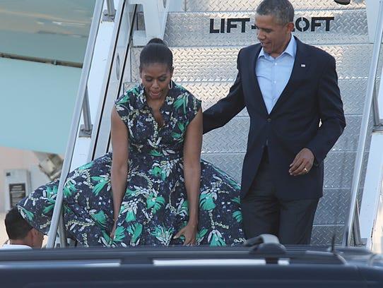 Obamas arrive 3