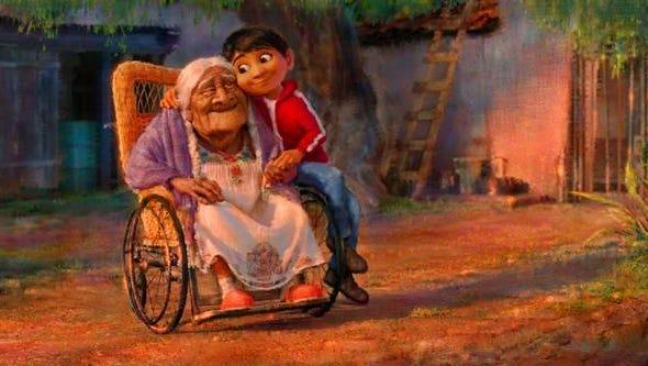 """Fotograma de la película de los estudios Pixar """"Coco"""" que, de la mano del director Lee Unkrich y la productora Darla Anderson, ganadores del Óscar a la mejor película de animación con """"Toy Story 3"""", propone una historia que promete plasmar """"con el máximo respeto y fidelidad"""" la celebración mexicana del Día de los Muertos."""