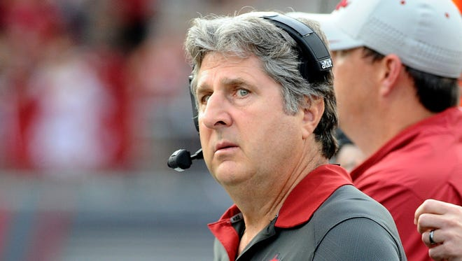 Oct 17, 2015: Washington State Cougars head coach Mike Leach looks on against the Oregon State Beavers during the second half at Martin Stadium. The Cougs won 52-31.