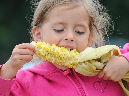-FON 081113 oakfield corn roast 1.JPG_20130812.jpg