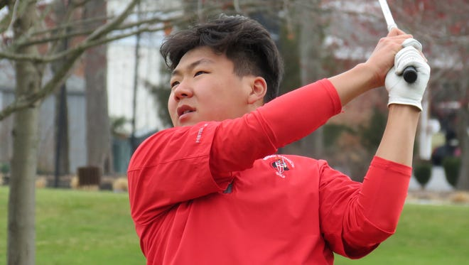 Chris Lee won the individual title and led Bergen Catholic to the team crown at the FDU Invitational Golf Tournament at River Vale Country Club on Wednesday, April 11, 2018