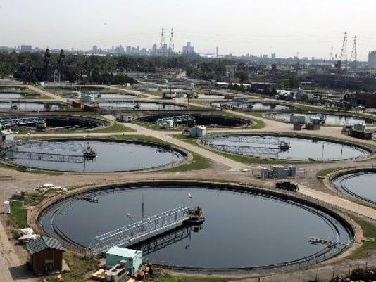 635588316142466179-water-department