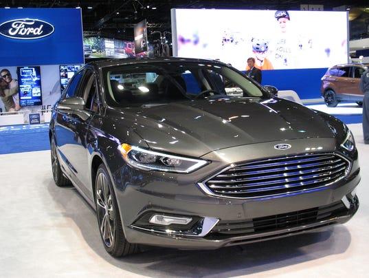 2017 Ford Fusion sedan (Photo: Motor News Media Corporation)