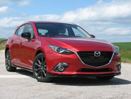 636169543463278367-2016-Mazda3-hatchback-.jpg