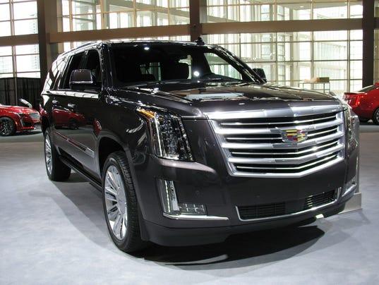 636357165086867059-2017-Cadillac-Escalade-ESV-SUV.jpg