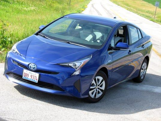 636478090715115571-2017-Toyota-Prius-Liftback.JPG
