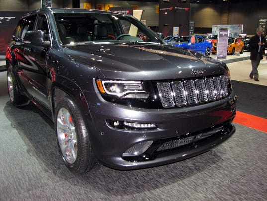 muscular utility 2015 jeep grand cherokee srt. Black Bedroom Furniture Sets. Home Design Ideas