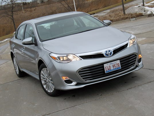 economical sophistication 2015 toyota avalon hybrid sedan. Black Bedroom Furniture Sets. Home Design Ideas