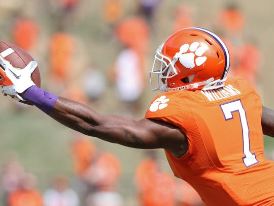 Clemson wide receiver Mike Williams makes a one-handed catch during the second quarter of Saturday's spring game at Memorial Stadium.