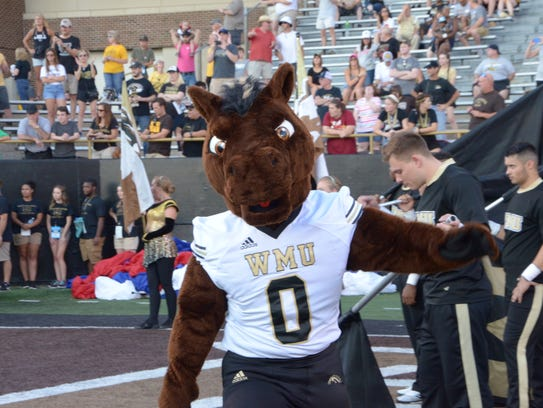 Buster Bronco gets ready to run out on the field at