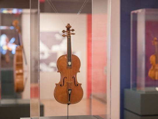 """Violino Barocco"" 1941, inlaid violin by Simone Fernando"