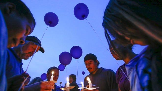 Decenas de personas se reunieron en Tempe para honrar la memoria de la madre y sus hijos que perdieron la vida ahogados.