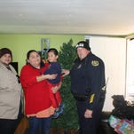 CPD Officers Bring Christmas Cheer to a Clarksville Family