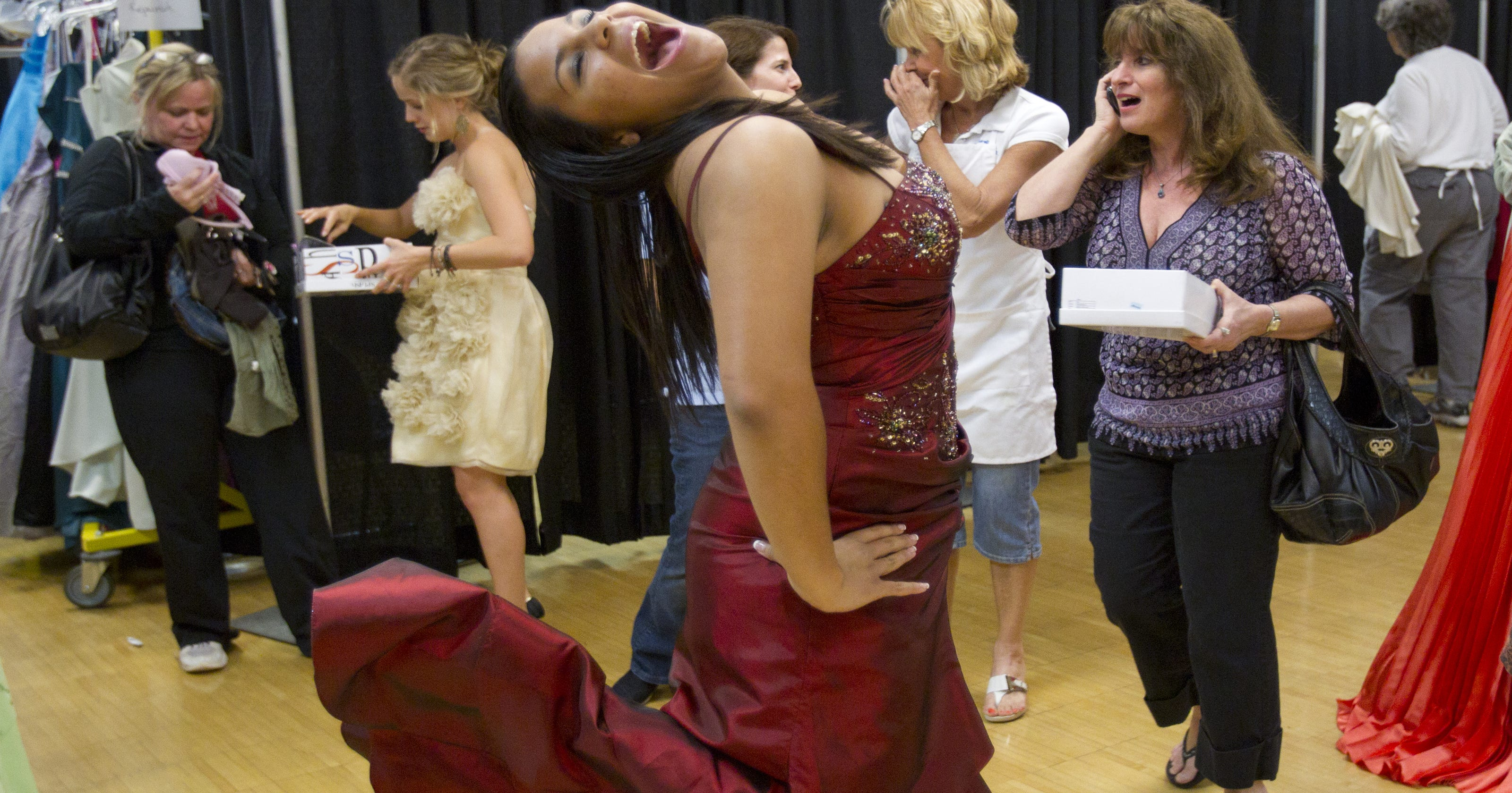 7817f5c159 Free prom dresses for Phoenix-area teens