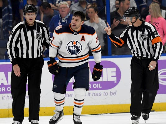 Oilers_Lightning_Hockey_84021.jpg