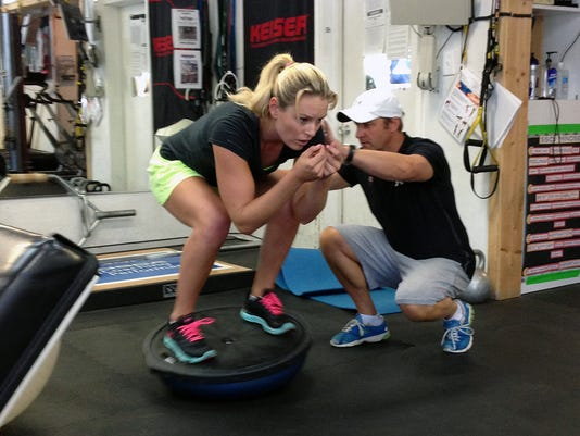 2013-10-27-lindsey-vonn-skiing-training