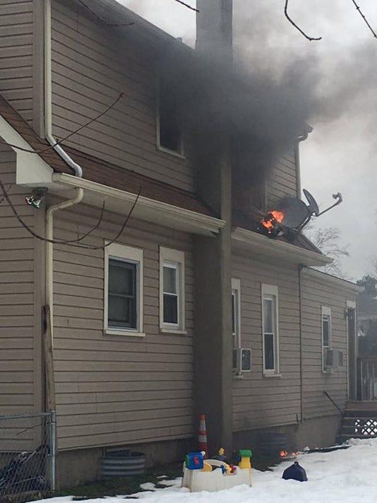 635895143046487180-gloucester-township-house-fire.jpg
