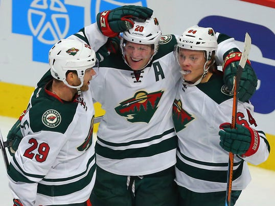 2015-12-01-wild-blackhawks