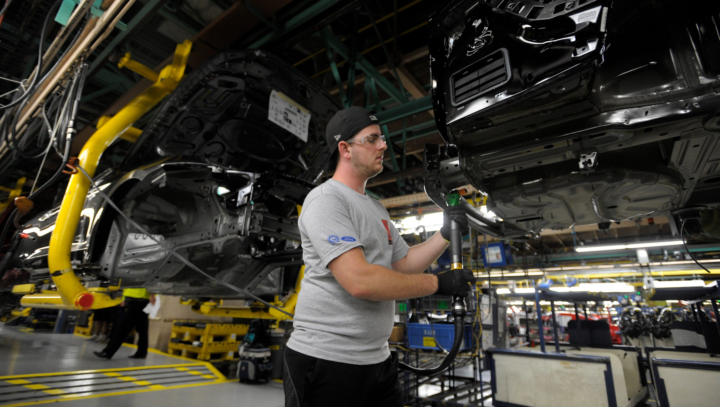 Ford shows off Shelby GT350R Mustang at Flat Rock plant