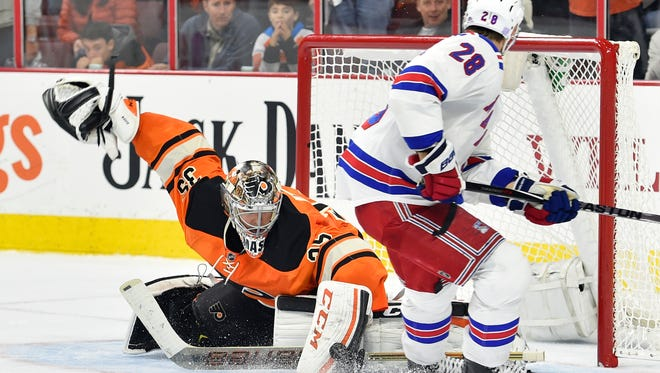 Steve Mason and the Flyers are going for four wins in a row.