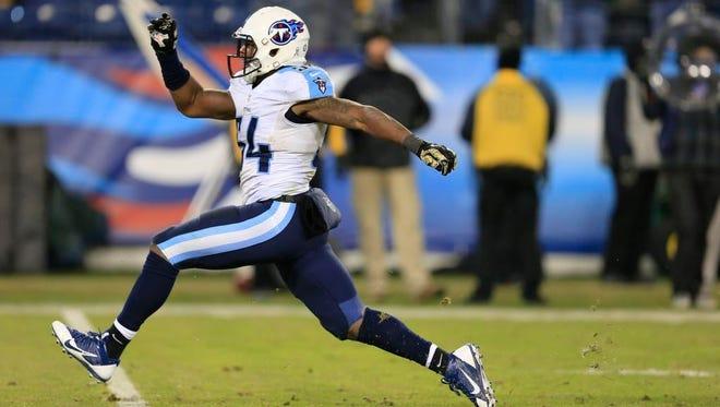Titans linebacker Avery Williamson celebrates a sack of Steelers quarterback Ben Roethlisberger in the second half on Monday night.