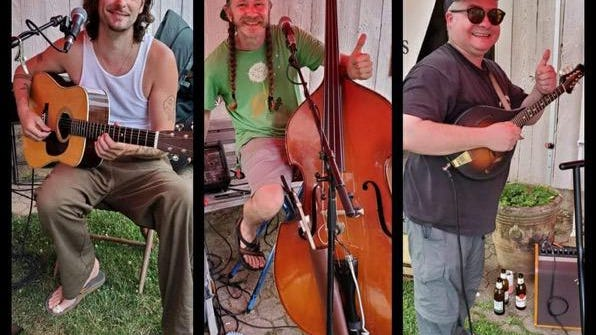 The Cirotti Trio - Joe Cirotti (guitar, lead vocals), Peter Lister (bass, vocals) and Mike Alexander (mandolin, vocals) - are accomplished players who create beautifully textured support for Cirotti's songs.